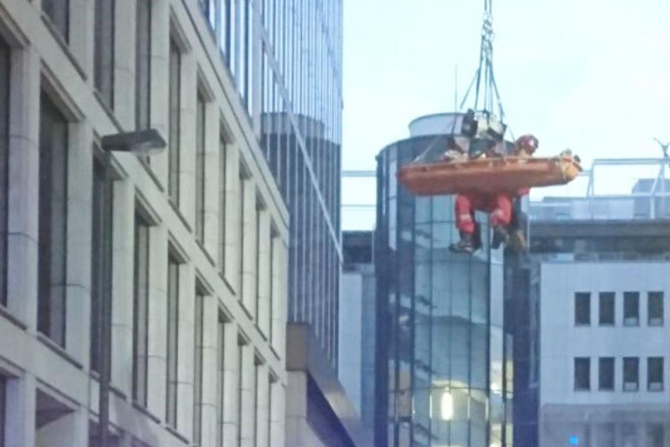 In 25 Meter Höhe befand sich der verletzte Bauarbeiter auf einer Gerüsttreppe.