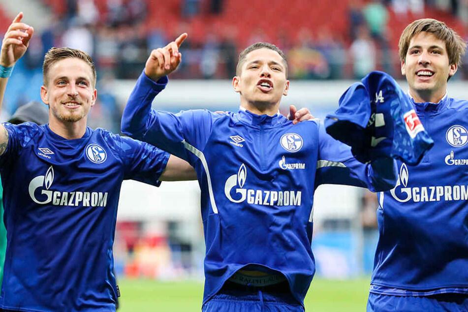 Amine Harit (M.) entfaltet momentan sein Potenzial und ist der Top-Scorer des FC Schalke 04.