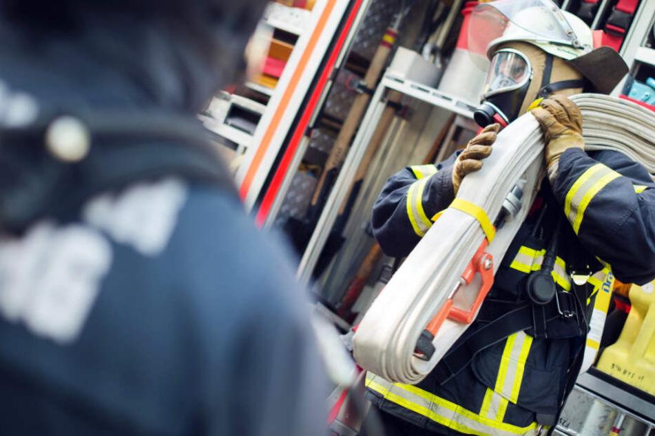 Ein großer Haufen Sperrmüll war in Dieburg in Brand geraten (Symbolbild).
