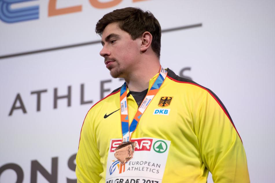 David Storl erhält bei der Siegerehrung Bronze im Kugelstoßen.