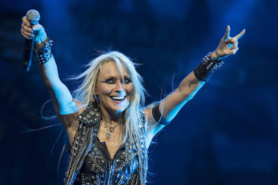 Wie hier 2013 bei legendären Wacken Open Air Festival wird Metal-Queen Doro Pesch (54) am Sonntag das Astra Kulturhaus rocken.