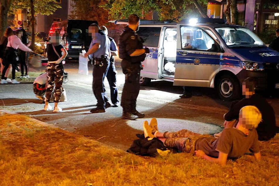 Spektakuläre Razzia in Chemnitz: Polizei stoppt Linienbus und kontrolliert Jugendliche