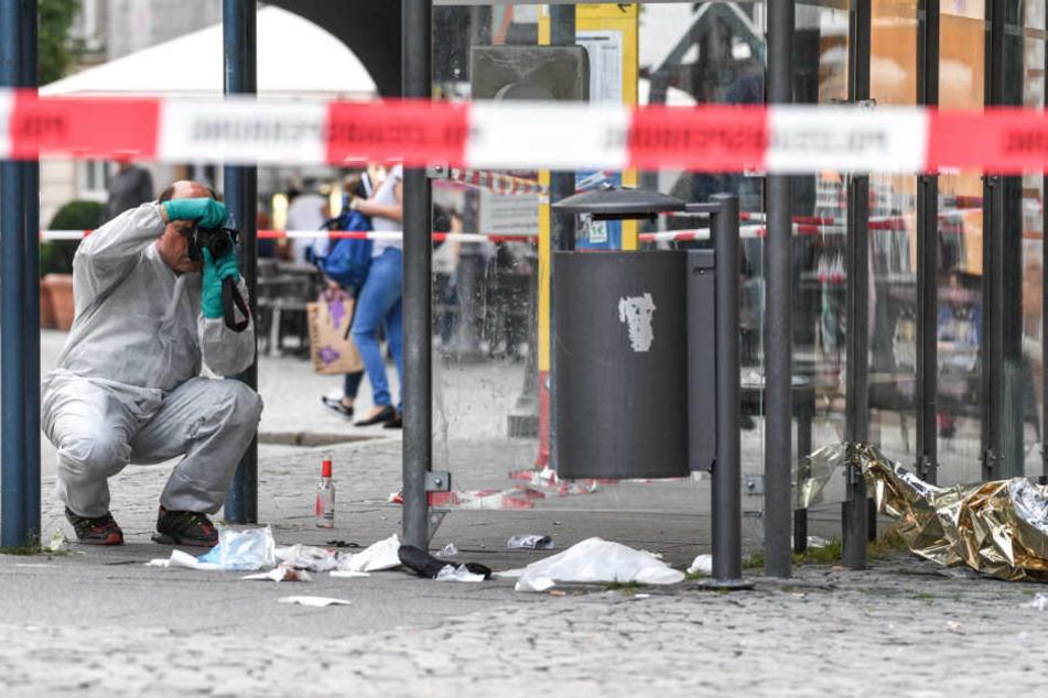 Bei der Messerattacke wurden drei Menschen schwer verletzt. (Archiv)