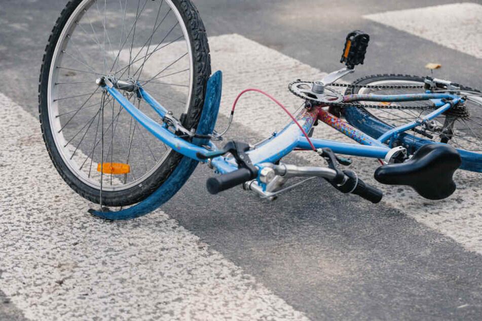 Räuber täuschen Fahrradunfall vor, um Mann zu beklauen: Jetzt ist er schwer verletzt