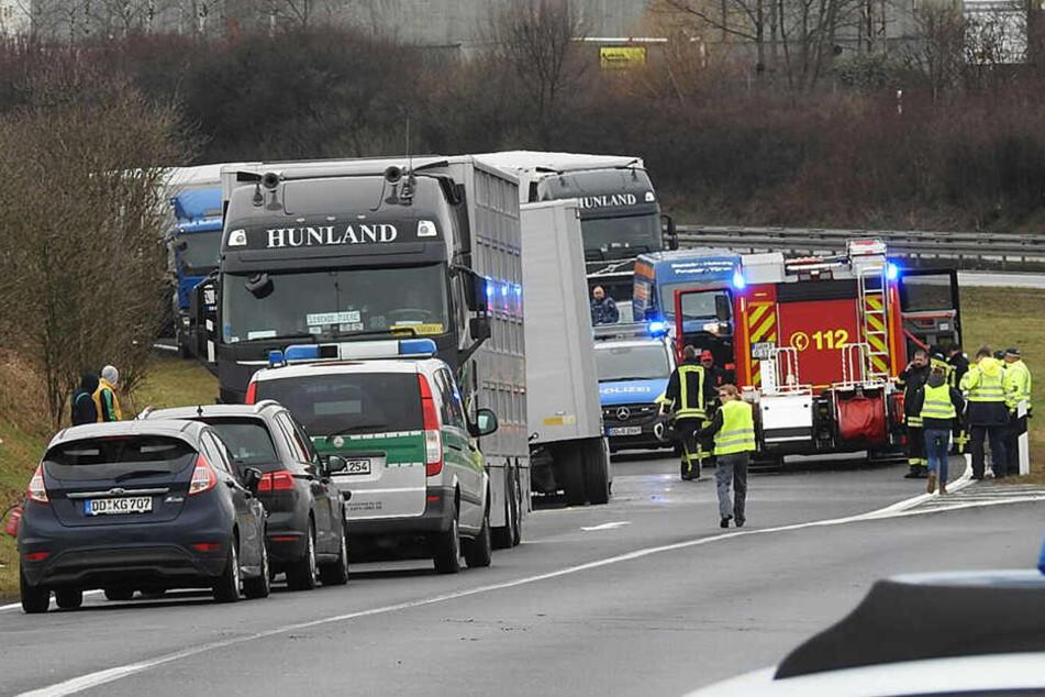 Die Autobahnabfahrt Grimma auf der A14 musste am Dienstagmittag mehrere Stunden lang gesperrt bleiben.