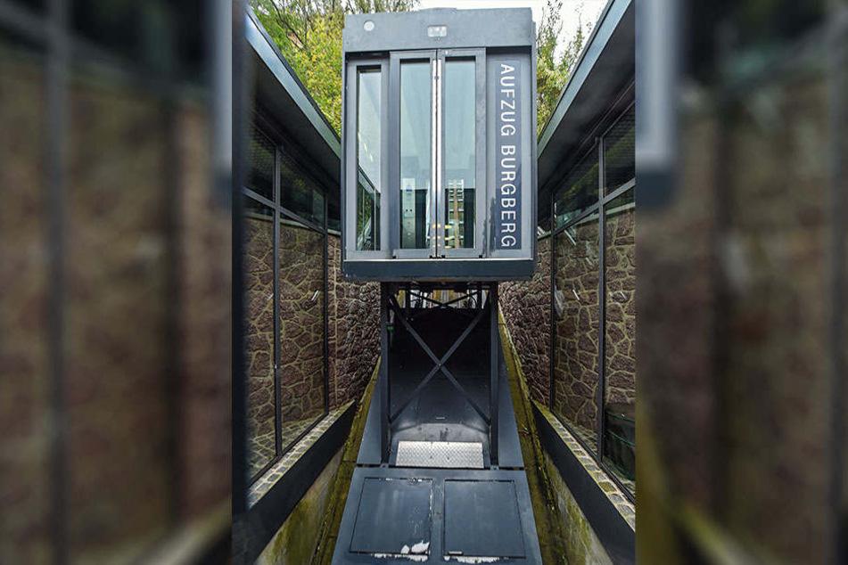 Der Panorama-Aufzug wurde ständig repariert. Nun ist er wieder defekt.