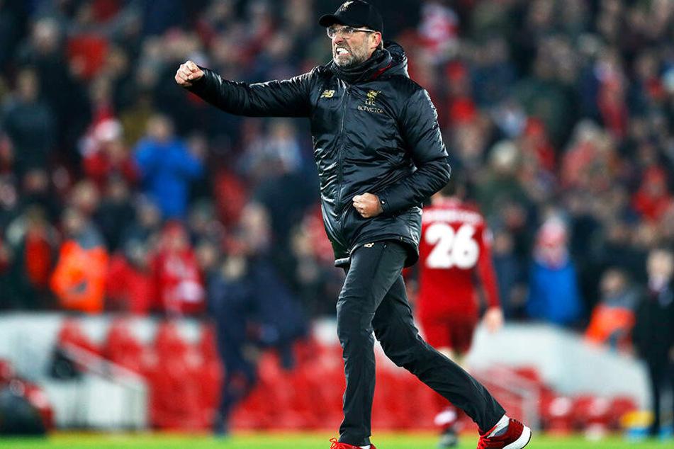 Typische Geste: Liverpools deutscher Trainer Jürgen Klopp bejubelt den hart erkämpften Erfolg seiner Mannschaft.