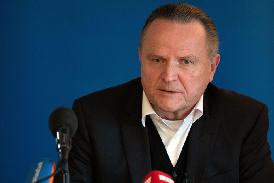 Der Landeschef der AfD, Georg Pazderski, sagte, der Landesparteitag falle aus.