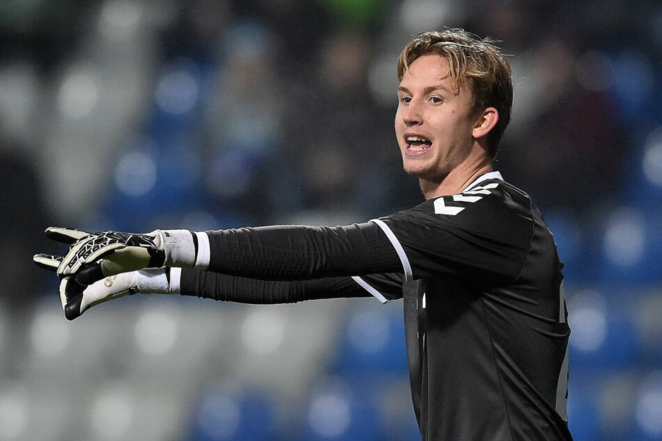 Hütet in der kommenden Saison den Kasten der Frankfurter Eintracht: Dänemarks National-Keeper Frederik Rönnow (Archivbild).