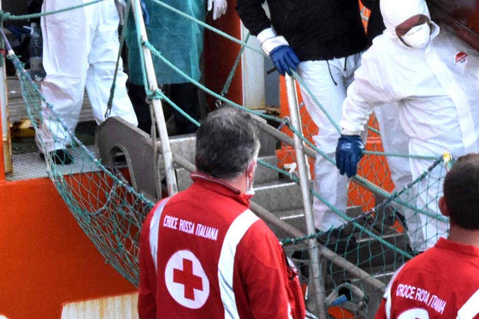Ausgehungerter Migrant stirbt nach Ankunft in Italien