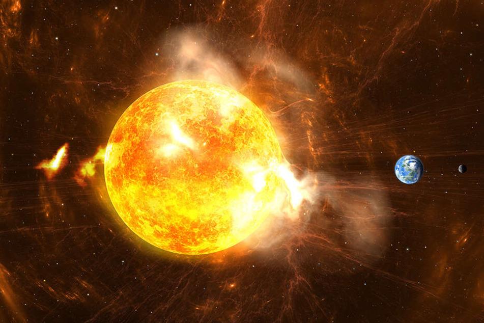 Bei einem Sonnensturm handelt es sich um gewaltige Explosionen auf der Sonne. (Symbolbild)