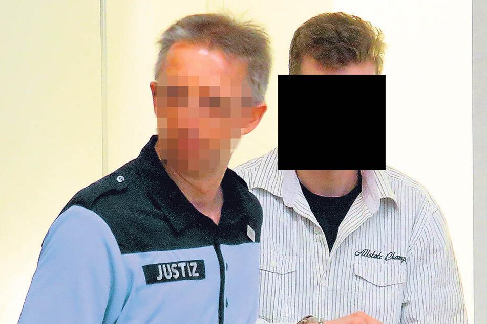 Nils F. (26) gestand seine Taten vorm Richter am Landgericht.
