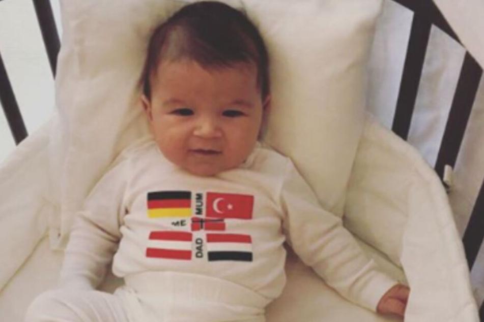 Im Juli 2018 wurde Söhnchen Elija geboren.