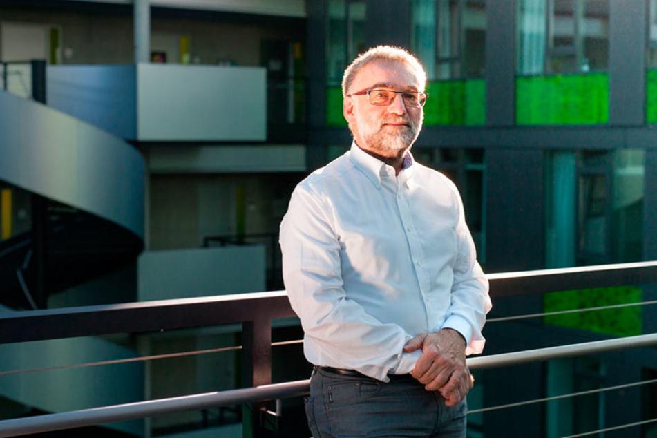 """Dr. Wolfgang Nagel von der TU Dresden ist überzeugt: """"In 20 Jahen wird es Programme geben, die mehr können als ihre Programmierer."""""""