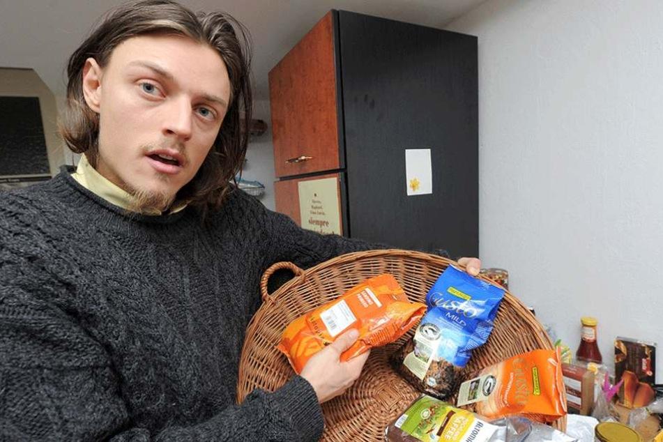Raphael Fellmers Mission ist es, Lebensmittel vor dem Wegwerfen zu retten.
