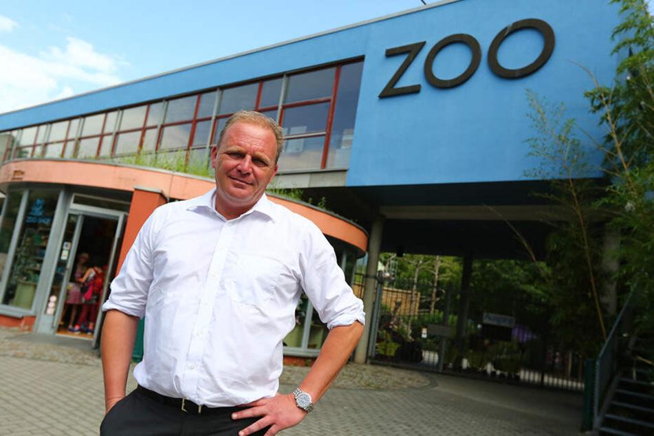 Zoo-Chef Karl-Heinz Ukena (49) ist auch nicht über den Zustand des Orang-Utan-Hauses erfreut.