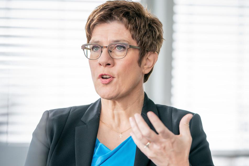 Bundesverteidigungsministerin Annegret Kramp-Karrenbauer (58) reformierte die KSK im vergangenen Jahr.