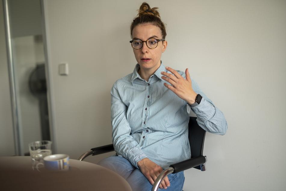 """""""Die Pflege ist ein Beruf, der unheimlich erfüllend sein kann"""", findet Karola Köpferl."""