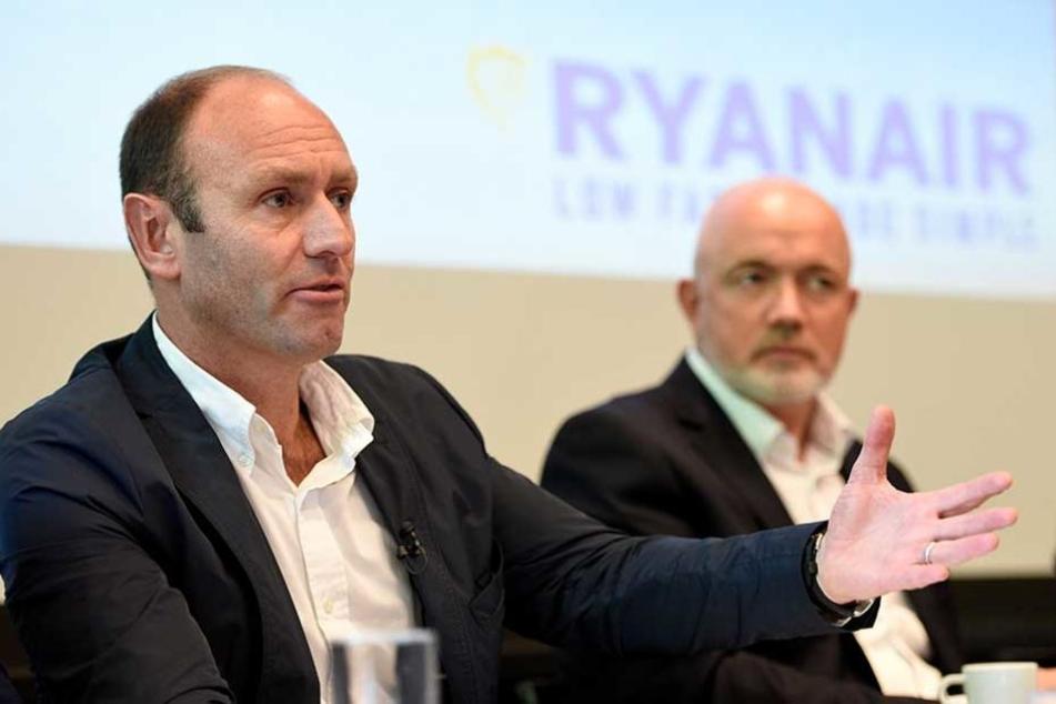 Ryanair-Manager Kenny Jacobs (li.) hätte in Berlin gern noch einen dritten Flughafen.