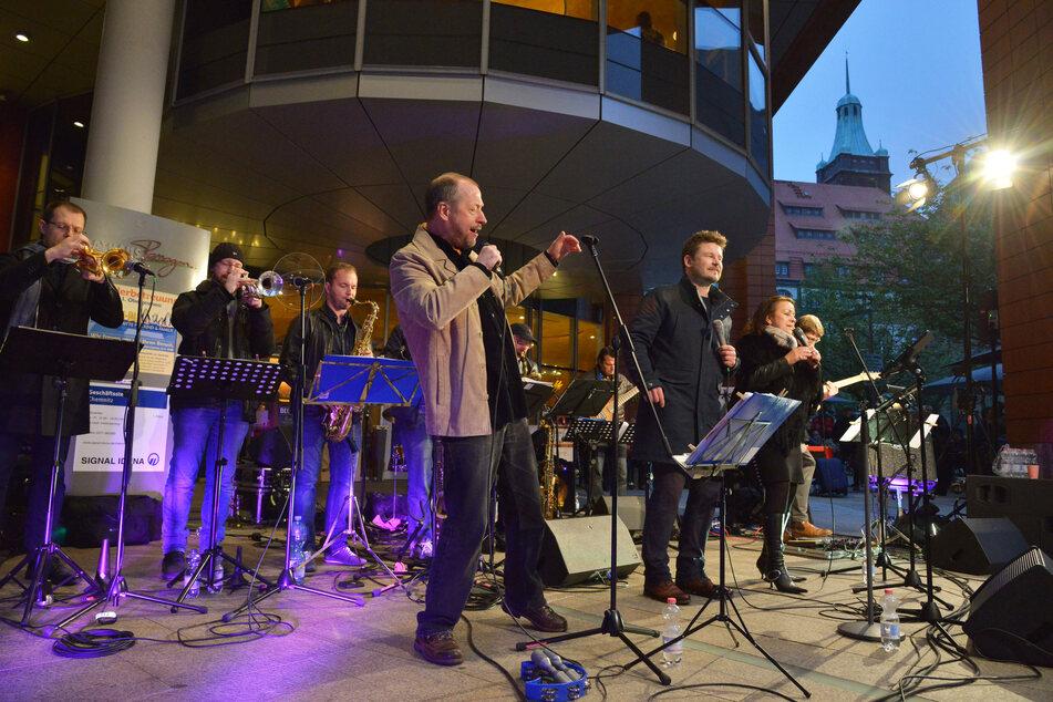 Jazz in der City, wie im Vorjahr mit Funky Dumb Stuff, wird es diesen Sommer mehrfach geben.
