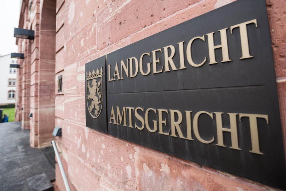 Der Fall wird vor dem Landgericht Hanau verhandelt.