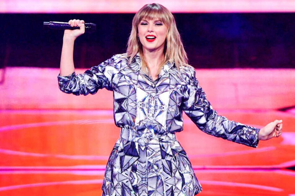 Taylor Swift bei einem Konzert.