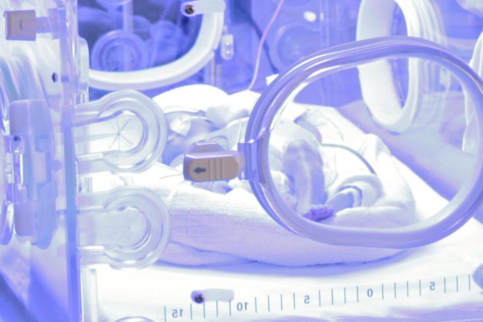 Gericht verlangt: Keine Hilfe mehr für krankes Baby!