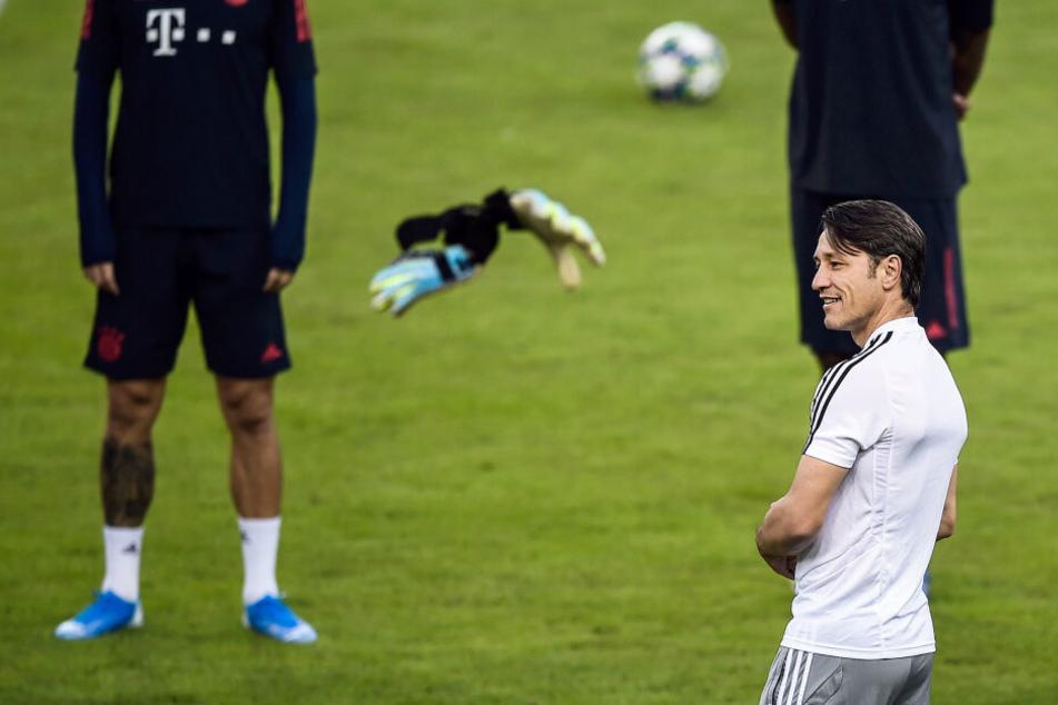 Die Bayern trainierten bereits mit Trainer Niko Kovac im Georgios-Karaiskakis-Stadion.