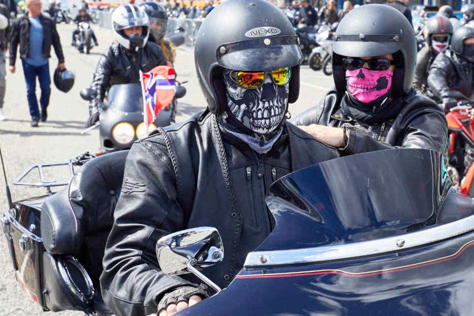 """Tausende Biker bei """"Hamburger Harley Days"""""""