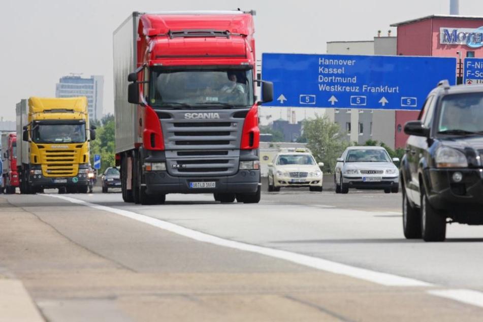 Auf der A5 zwischen dem Westkreutz und dem Nordwestkreutz steht der Verkehr Anfang November still.