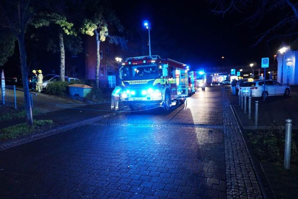 Die Feuerwehr Ratingen war mit zahlreichen Kräften vor Ort.