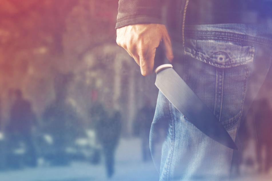 Überfall bei Schulausflug! Jugendliche mit Messer bedroht