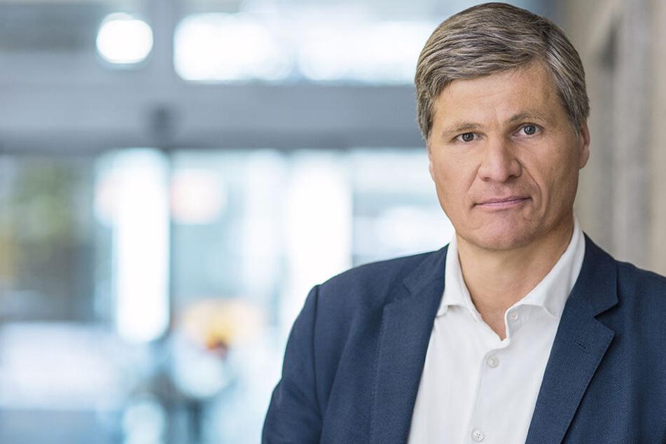 ZDF-Journalist Thomas Walde bekam keine konkrete Antworten auf seine fünfmal wiederholte Frage...