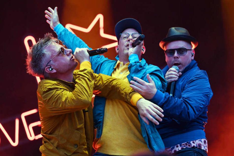 """Doktor Renz (von links nach rechts), Björn Beton und König Boris bilden die Hamburger Hip-Hop-Band """"Fettes Brot""""."""