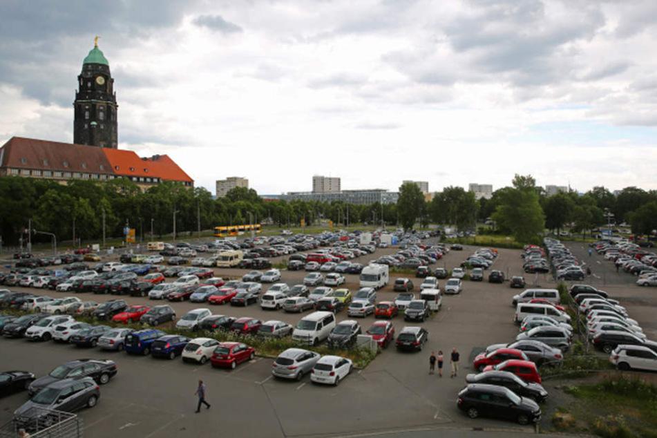 Der Parkplatz auf dem Ferdinandplatz.
