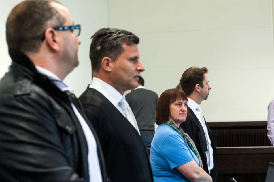 Wilfried (links) und Angelika W. (2. v. r.) sehen sich wieder mit dem Vorwurf des Mordes konfrontiert!