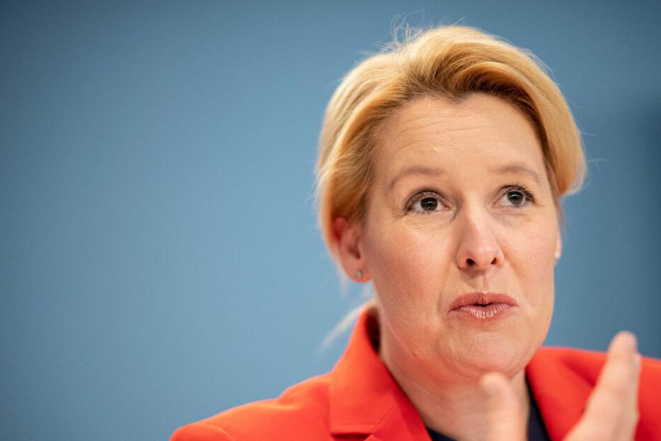 Urteil zu Plagiatsvorwürfen: Giffey darf Doktortitel behalten, winkt aber in Sachen SPD-Vorsitz ab