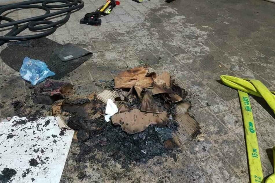 Am 31. Januar hatte der Feuerteufel einen Pappkarton vor einer Wohnungstür entzündet.