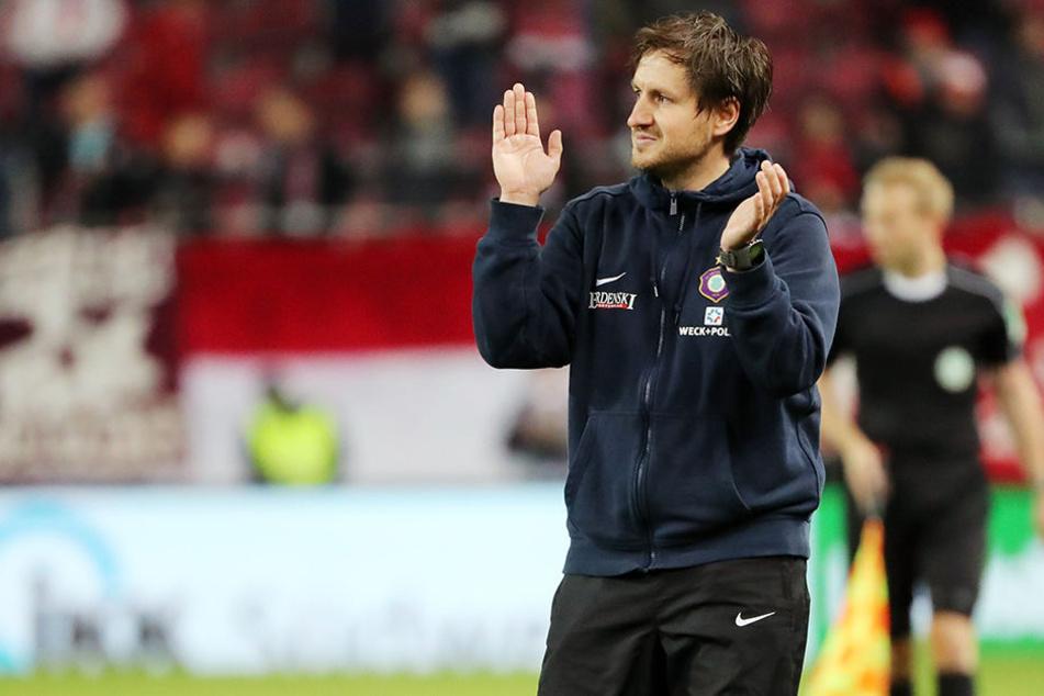 Beifall für die Spieler und Fans: Hannes Drews