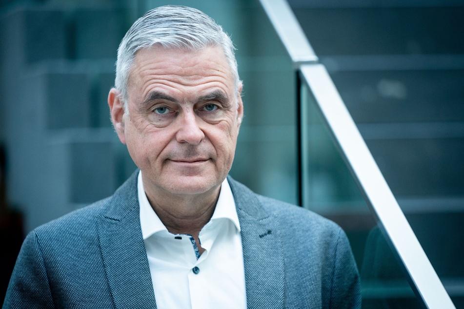 Uwe Janssens (61), Präsident der DIVI (Deutsche Interdisziplinäre Vereinigung für Intensiv- und Notfallmedizin).