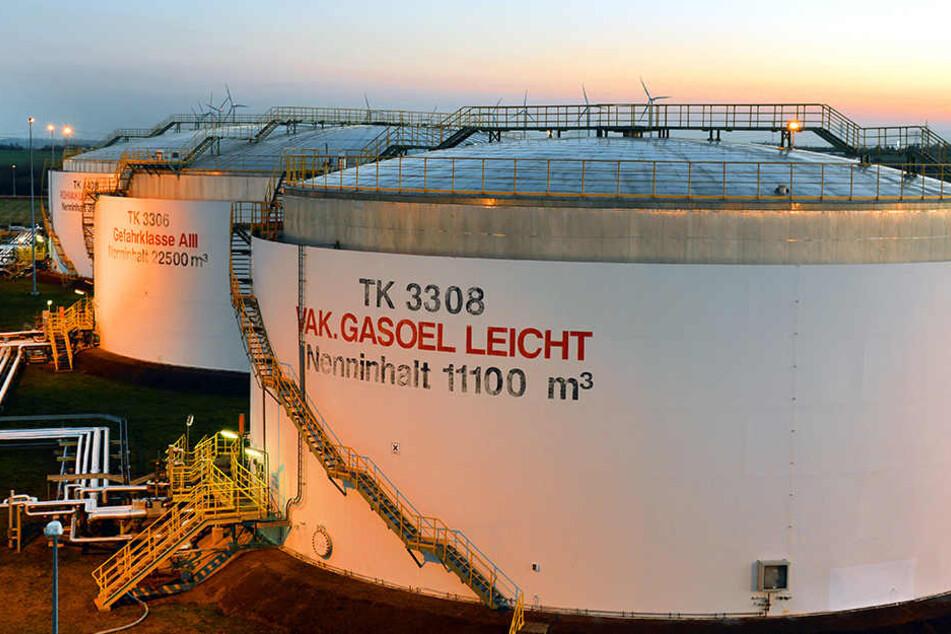 In der Erdöl-Raffinerie in Leuna (Sachsen-Anhalt) war im Mai Feuer ausgebrochen.