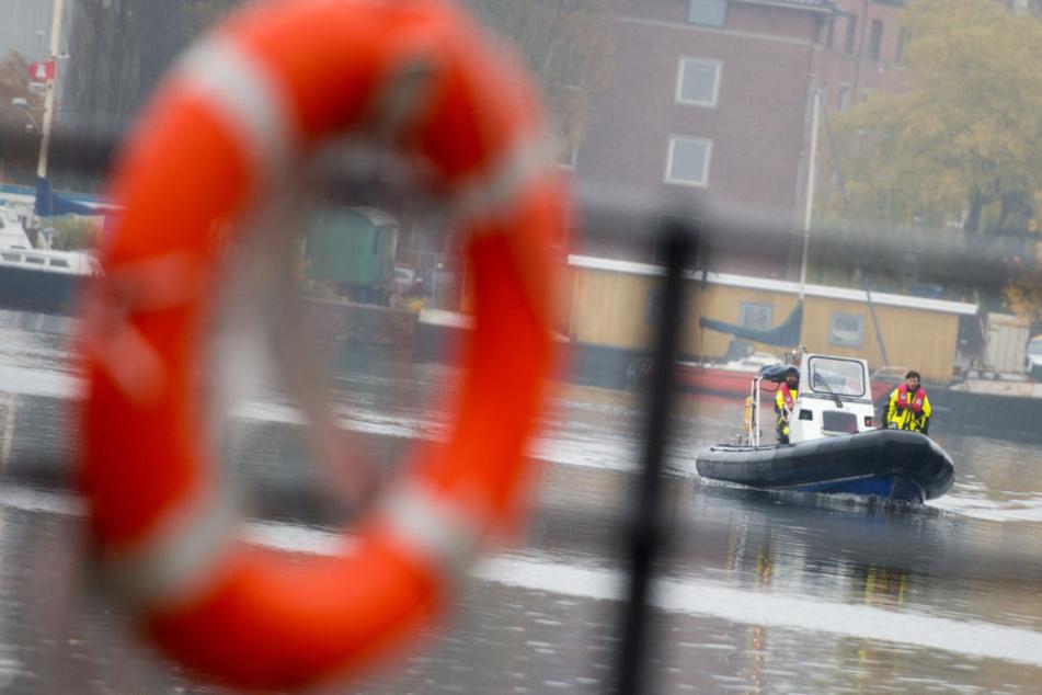 Im Harburger Binnenhafen hat es auf einem Schiff gebrannt. (Symbolbild)