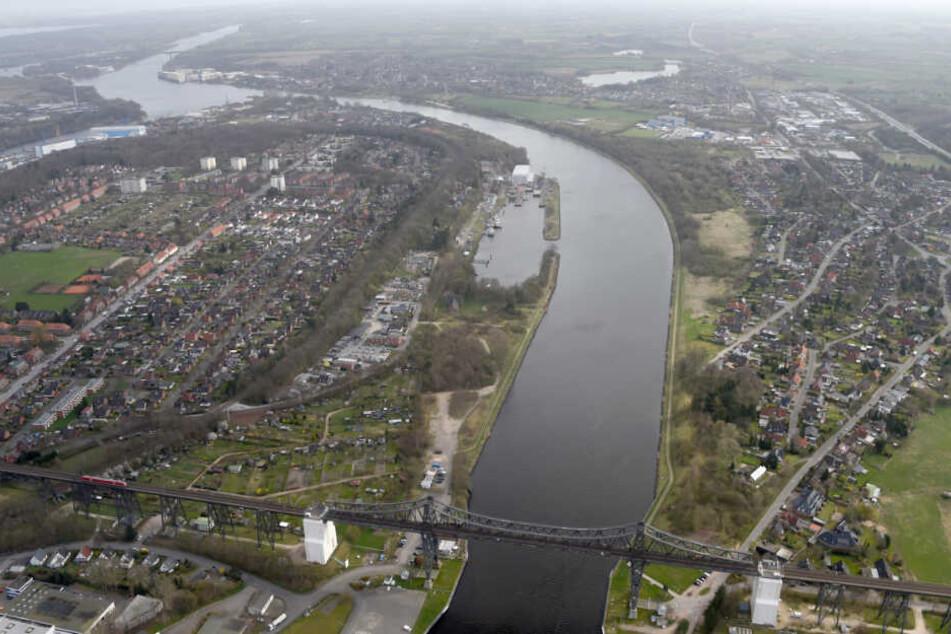 Der Nord-Ostsee-Kanal verläuft auch durch Rendsburg. (Archivbild)