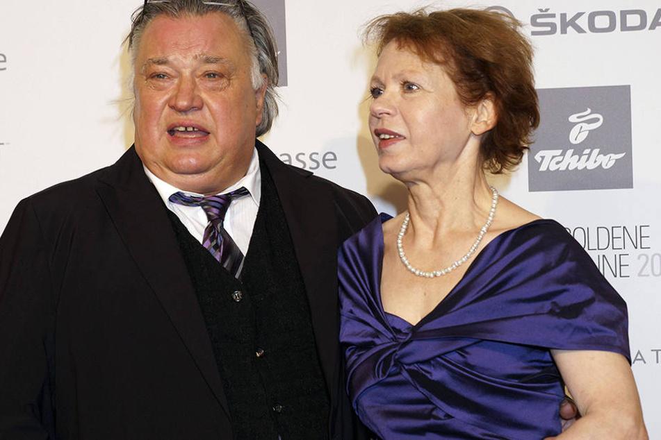 """Solo Sunny-Renate Krößner (71, hier mit ihrem Mann Bernd Stegemann) ist seit Oktober von der Rolle: Auf sie freuten sich besonders viele ostdeutsche Zuschauer - sie wurde in der DDR bekannt durch den Kult-Film """"Solo Sunny"""" (1980)."""