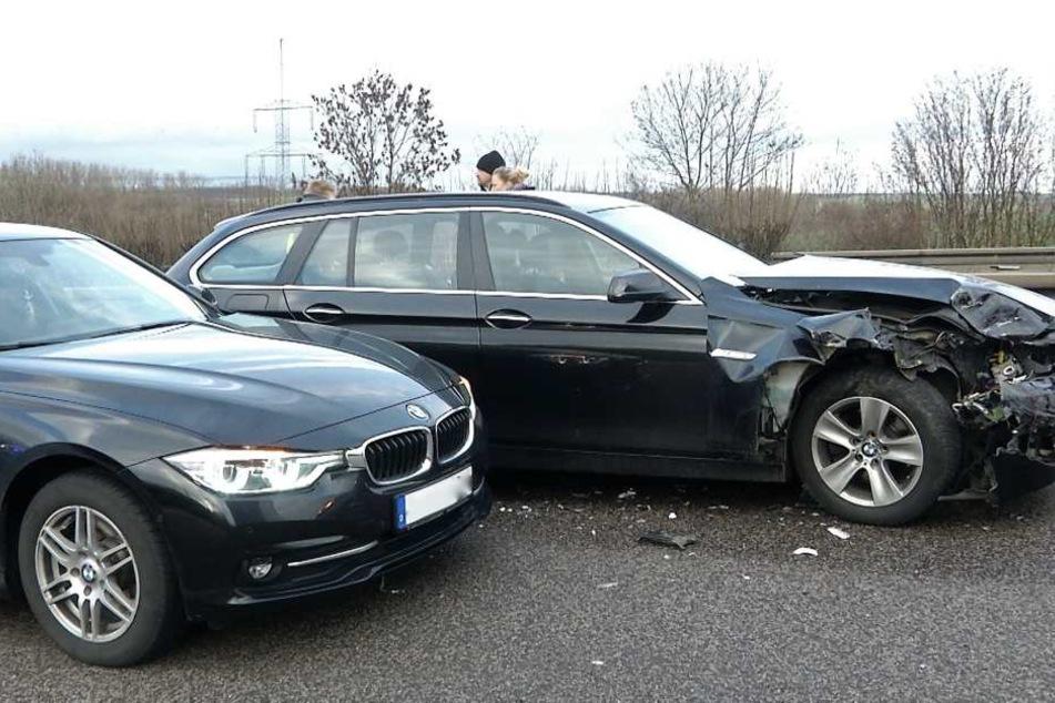 Die beiden BMW fuhren unter anderem ineinander.