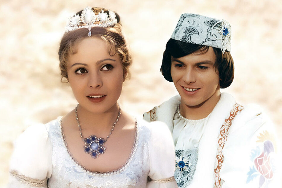 Pavel Trávníček, der junge Prinz (F.u.) aus dem Film, sollte in der Märchenshow den König spielen (F.o.).