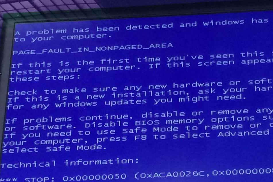 Auch die Anzeigetafeln am Bahnhof Dresden-Neustadt sind von der Hacker-Attacke betroffen.