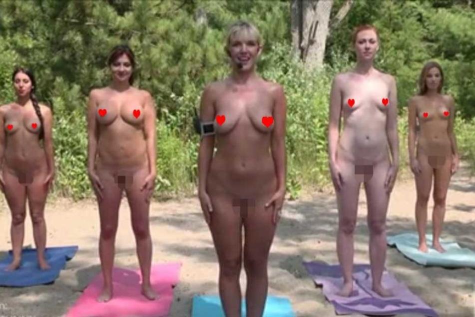 Flex-Appeal: TV-Moderatorinnen beim Nackt-Yoga gefilmt