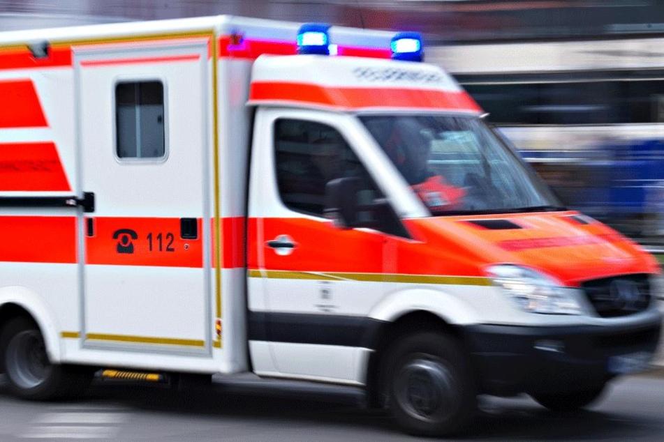 Die 29-Jährige und ihr vier Wochen altes Baby wurden bei dem Unfall schwer verletzt. (Symbolbild)