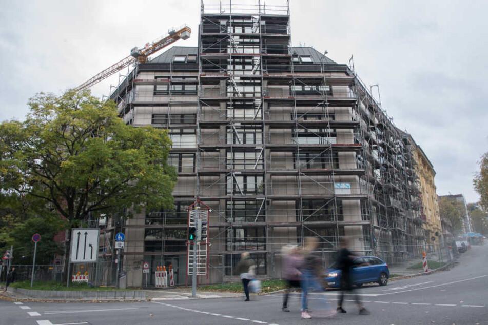 Die Renovierungsarbeiten an dem Gebäude in der Heilbronner Straße gehen seit dem Spätsommer weiter.